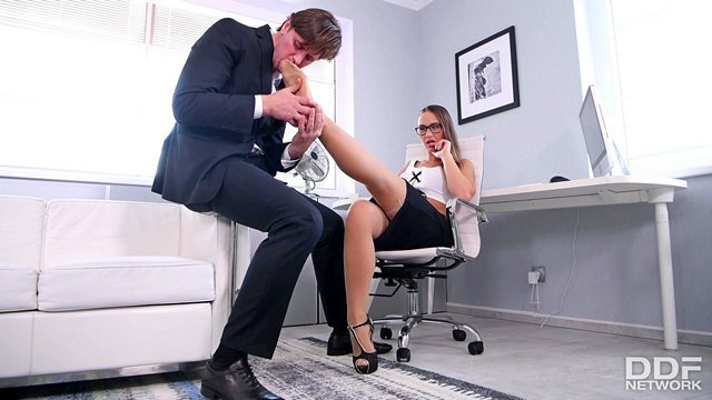 В Офисе порно видео. Смотреть порно фильмы бесплатно на БоссПорно