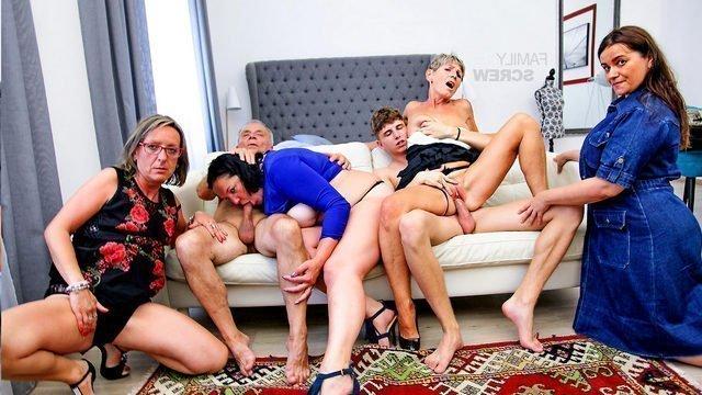 Оргии порно видео. Смотреть порно фильмы бесплатно на БоссПорно